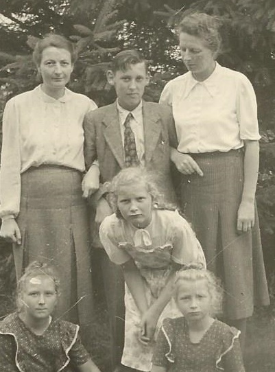 Von Kloppenfels Family 1 with PJK 1951 Scan0207 170816 (2)