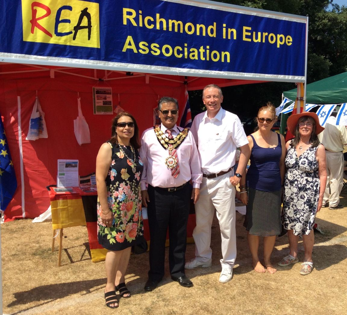 mayor & moormead fair2