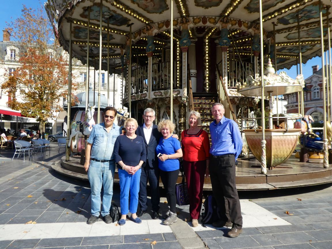 Mayor & Merry go Round