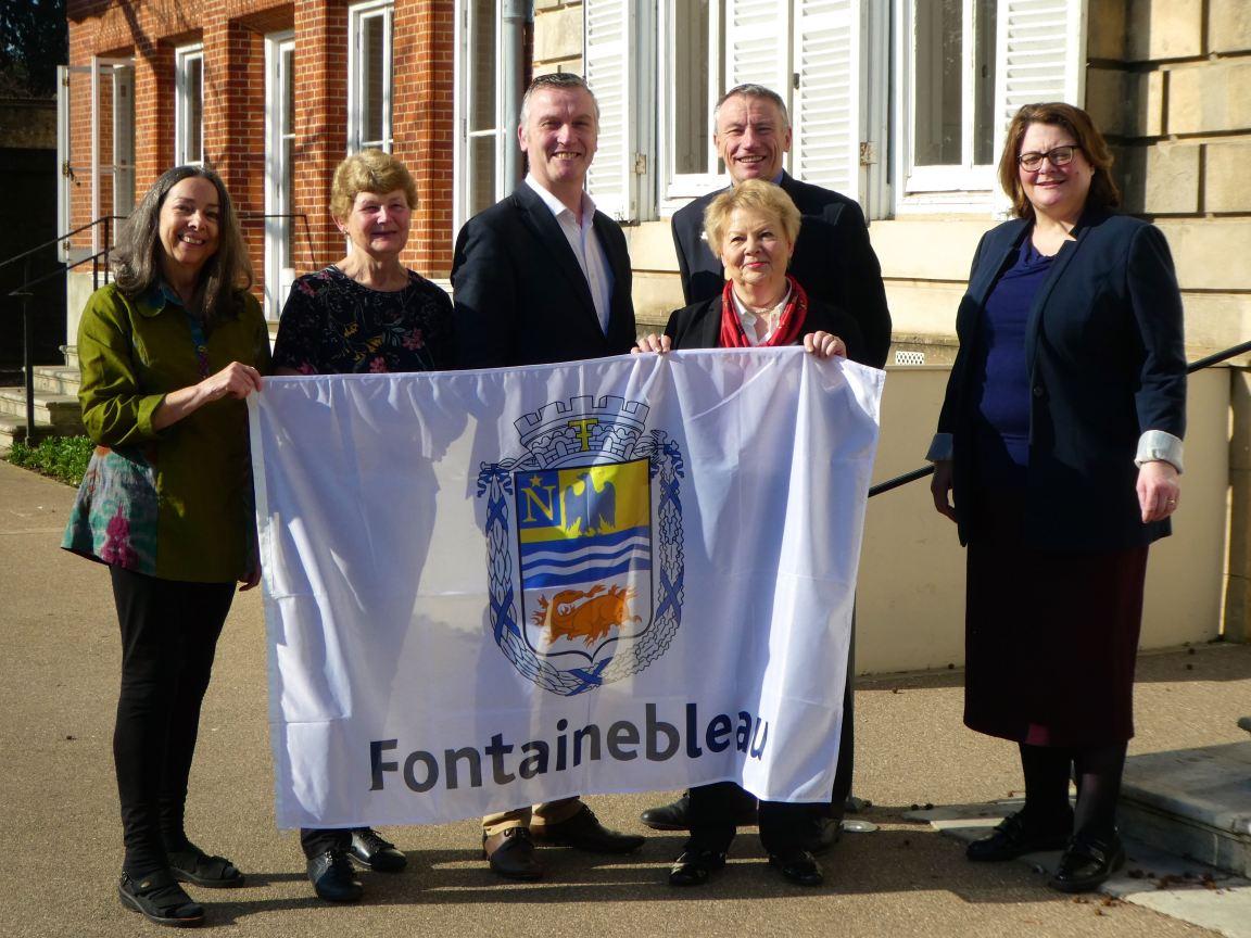 Fontainebleau flag